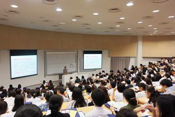 「大学入試説明会」は300名を超える参加者で大盛況